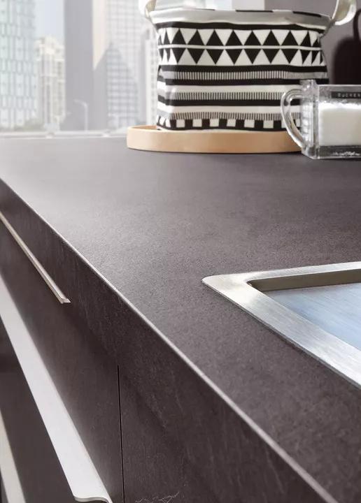 Xtra台面,仿真石材肌理,防水,持久耐用性与Stoneart系列完美契合。